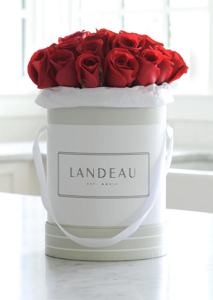 Love is in the Air Pont des Arts by Landeau #flowers #FlowerDelivery #bouquets #OnlineFlowers #FlowersOnline #ValentinesDay #ValentinesFlowers #SendFlowers