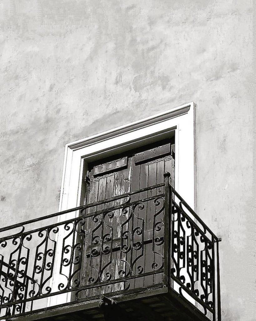 Balcony Size #Balcony #BalconyDecor #BalconyDecorIdeas #CoastalBalcony #HomeDecor #AtHomeontheBalcony #HomeDecorTips #BalconyHome