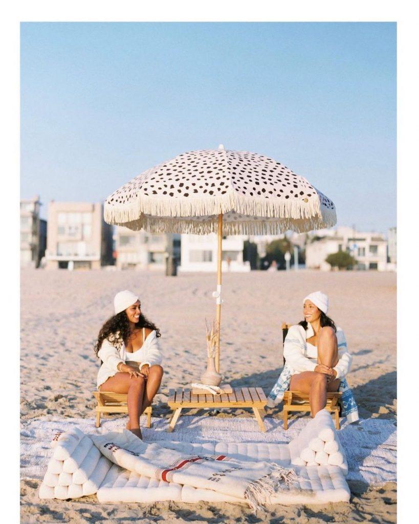 Camping Tables Beach Break #Picnic #PicnicCampingTable #PicnicattheLake #PicnicattheBeach #PicnicIdeas #SimplePleasures #FamilyPicnic #FamilyFun #Summer #BrunchattheBeach #BrunchIdeas #BeachBrunch #BrunchWithFriends