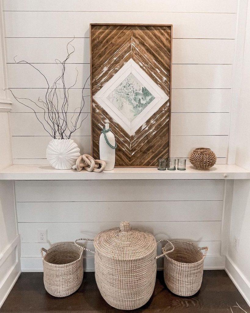 Decorate a Built In Console Table #Coastal #CoastalDecor #Entryway #Foyer #CoastalEntryway #CoastalFoyer #BeachHouse #BeachHome #SummerHouse #LakeHouse #ConsoleTable #SeasideDecor #IslandDecor #TropicalIslandDecor