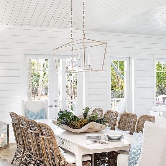 Coastal Dining Rooms Inspo 14 #Coastal #DiningRoom #CoastalDiningRoom #CoastalDecor #CoastalHomeDecor #BeachHouse #SeasideStyle #LakeHouse #SummerHouse #DiningRoomAccessories