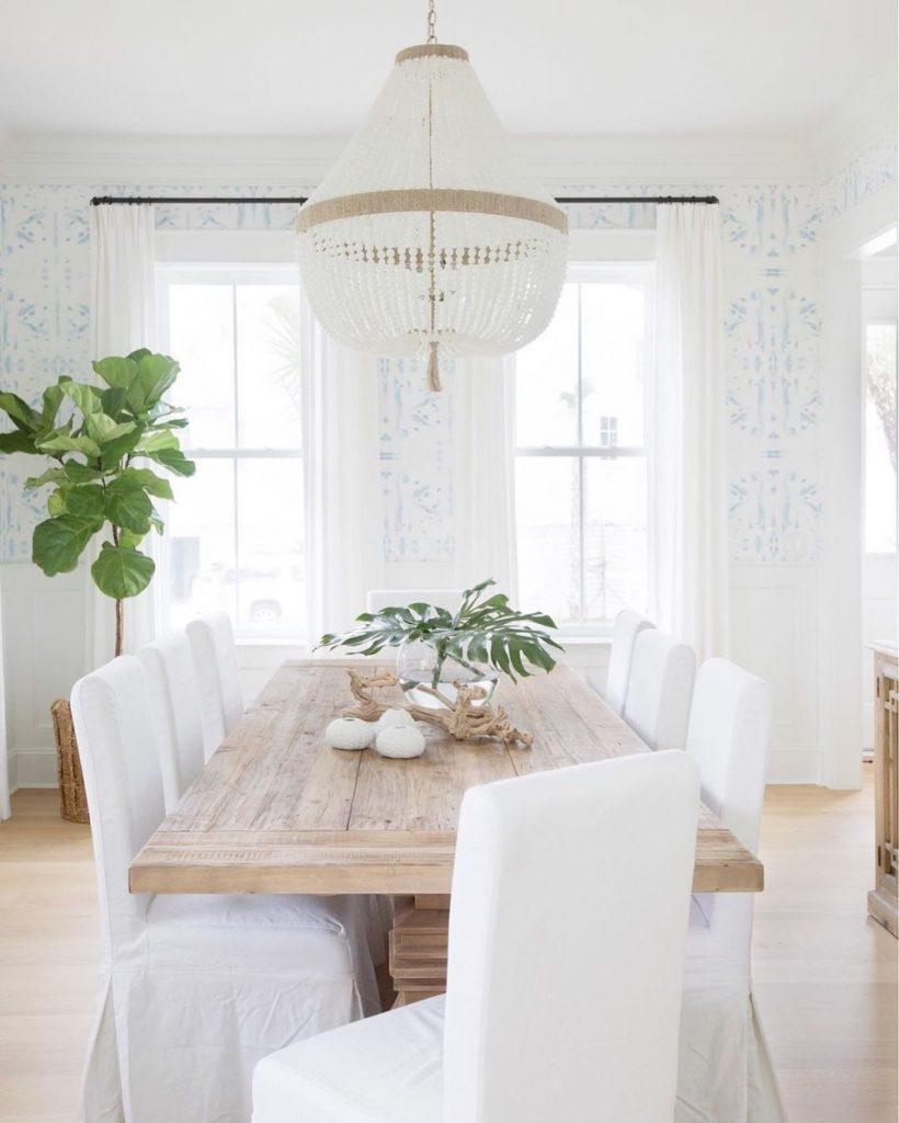 Coastal Dining Room Inspo 18 #Coastal #DiningRoom #CoastalDiningRoom #CoastalDecor #CoastalHomeDecor #BeachHouse #SeasideStyle #LakeHouse #SummerHouse #DiningRoomAccessories