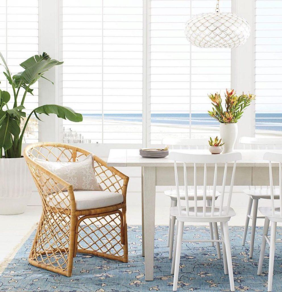 Coastal Dining Rooms Inspo 21 #Coastal #DiningRoom #CoastalDiningRoom #CoastalDecor #CoastalHomeDecor #BeachHouse #SeasideStyle #LakeHouse #SummerHouse #DiningRoomAccessories