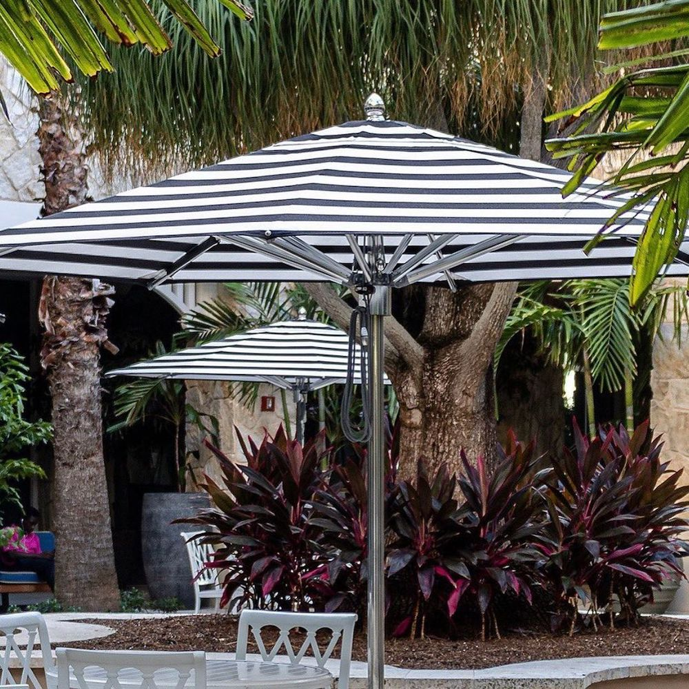 Inspo 4 #PatioUmbrella #MarketUmbrella #Pool #PoolSide #Patio #Summer #OutdoorSpaces #Backyard #PatioDecor #PatioFurniture #SummerHouse #CoastalHome #BeachHouse #LakeHouse #IslandHome #OutdoorLiving #BeachHouseStyle #BeachHouseDecor
