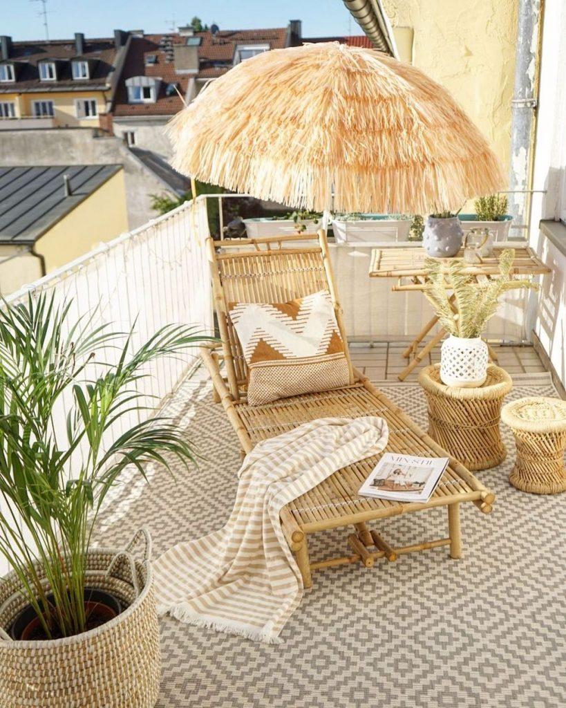 Balcony Decor Ideas Relive the Tropics Everyday #Balcony #BalconyDecor #BalconyDecorIdeas #CoastalBalcony #HomeDecor #AtHomeontheBalcony #HomeDecorTips #BalconyHome