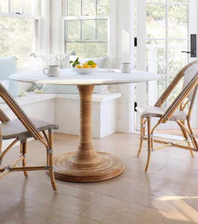 19 Coastal Dining Tables for the Summer Home