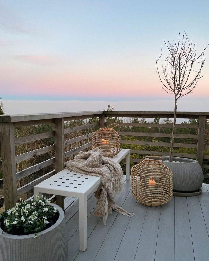 Watch the Sunset #Balcony #BalconyDecor #BalconyDecorIdeas #CoastalBalcony #HomeDecor #AtHomeontheBalcony #HomeDecorTips #BalconyHome
