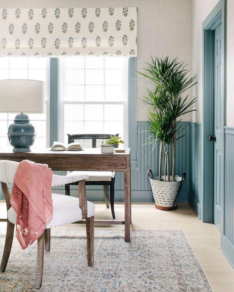 Houseplant Decor Ideas Inspo 9 #Coastal #HousePlants #IndoorPlants #AirPurifyingPlants #GoGreen #GreenLiving #CoastalDecor #CoastalHome #CoastalLiving #InteriorTips #InteriorTipsAndTricks #GreenLovers #InteriorDesignTips #HomeDecorTipsAndTricks #HomeDecor