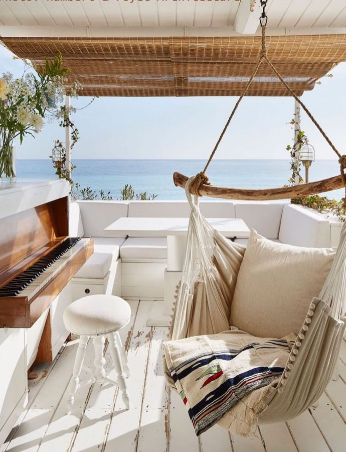 21 Coastal Sofas with Chaise Lounge