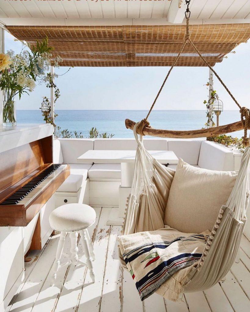Inspo 3 #Coastal #Sofas #CoastalSofas #CoastalSofasChaiseLounge #LivingRoom #CoastalLivingRoom #SofawithChaiseLounge #CoastalDecor #HomeDecor #CoastalHomeDecor #CoastalHome #CoastalLiving #BeachHouse #SeasideStyle #LakeHouse #SummerHouse