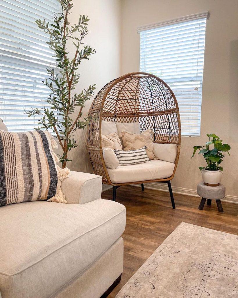 Egg Chair Styling Ideas Inspo 1 #Chairs #EggChairs #BohoDecor #CoastalDecor #BeachHouse