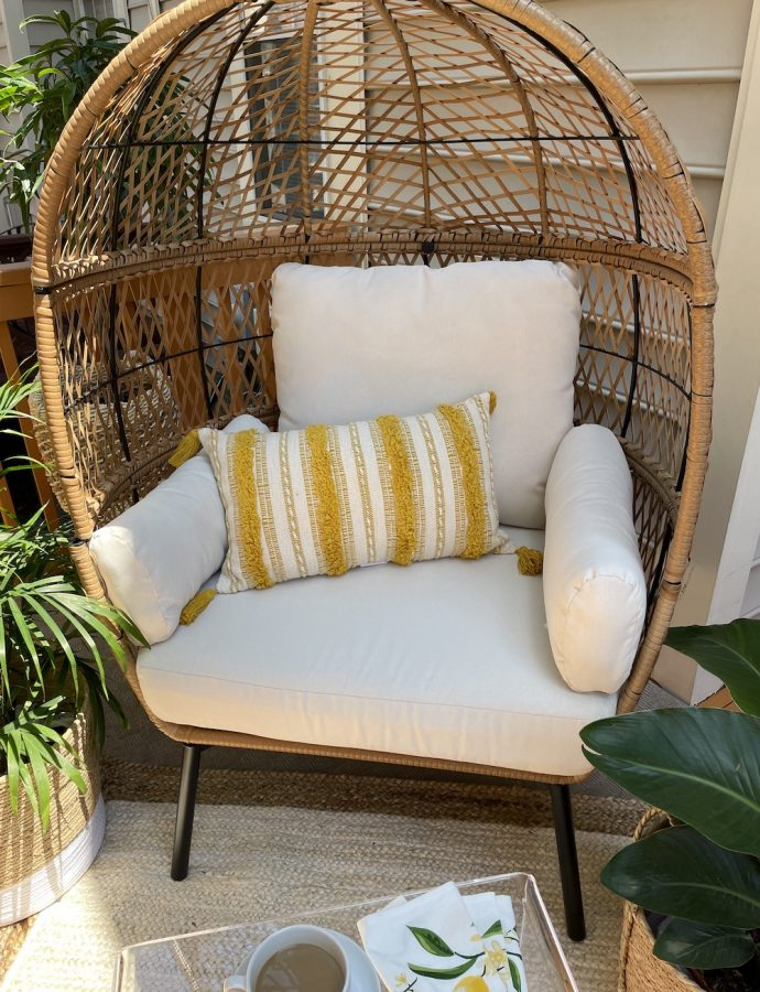 12 Best Egg Chairs for the Summer Home