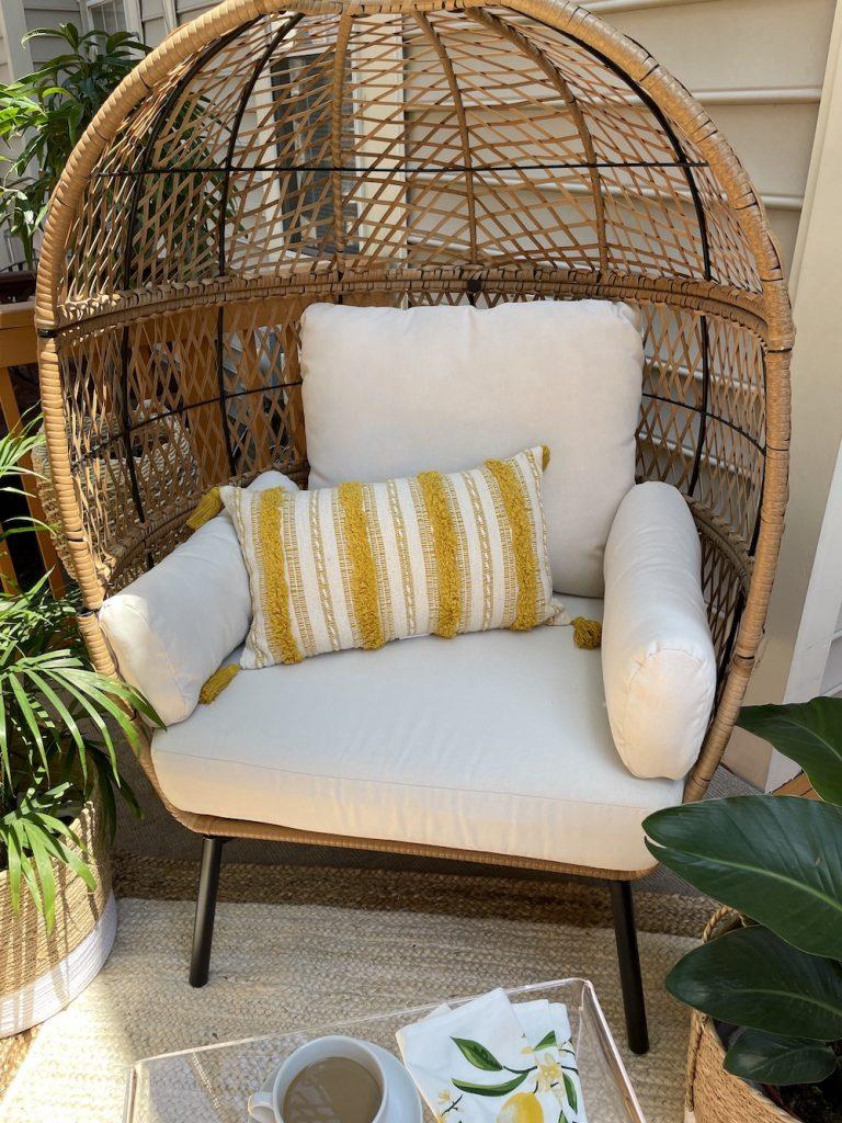 Egg Chair Styling Ideas Inspo 16 #Chairs #EggChairs #BohoDecor #CoastalDecor #BeachHouse