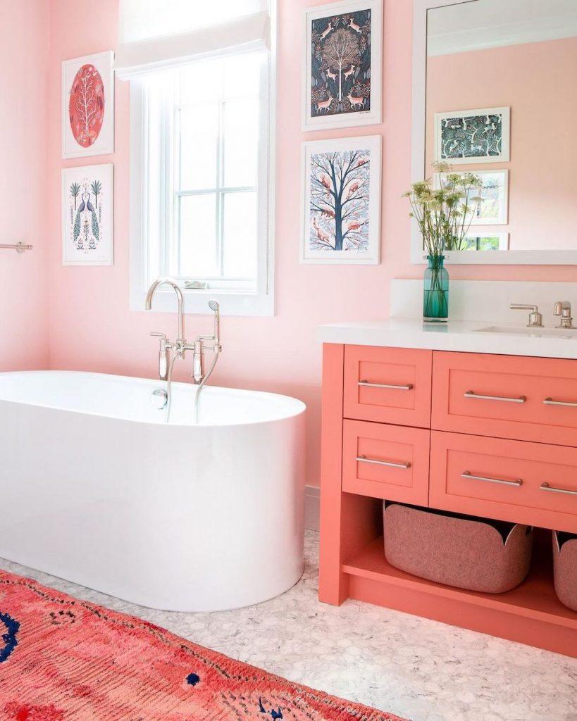 Coastal Pink Styling Ideas Inspo 22 #Pink #PinkAccessories #Coastal #CoastalPinkDecor #BohoCoastal #CoastalDecor #HomeDecor