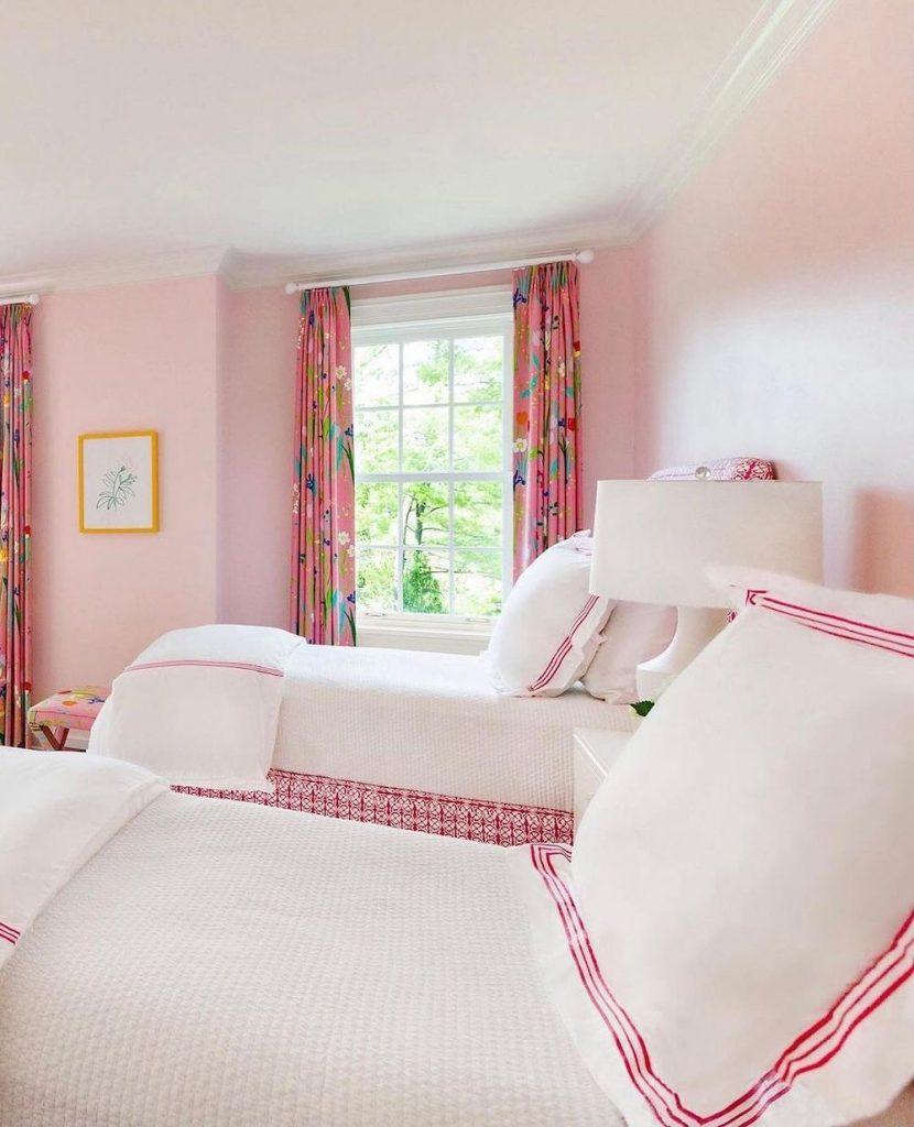 Coastal Pink Styling Ideas Inspo 24 2 #Pink #PinkAccessories #Coastal #CoastalPinkDecor #BohoCoastal #CoastalDecor #HomeDecor