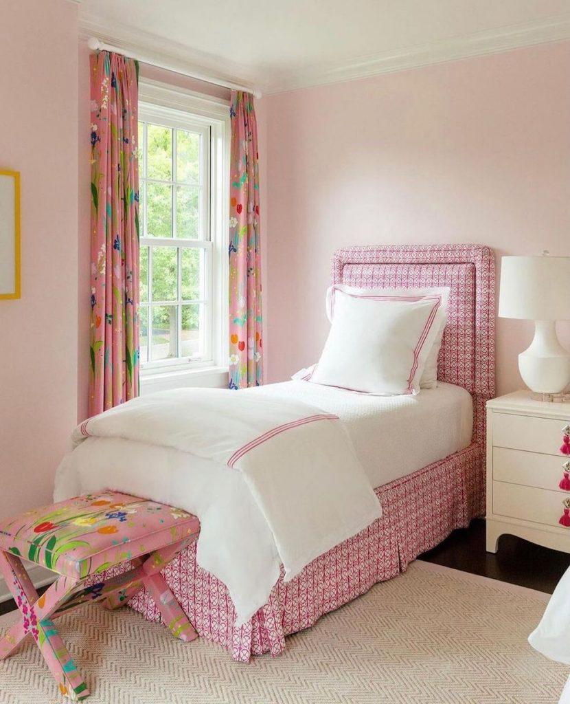 Coastal Pink Styling Ideas Inspo 24 3 #Pink #PinkAccessories #Coastal #CoastalPinkDecor #BohoCoastal #CoastalDecor #HomeDecor