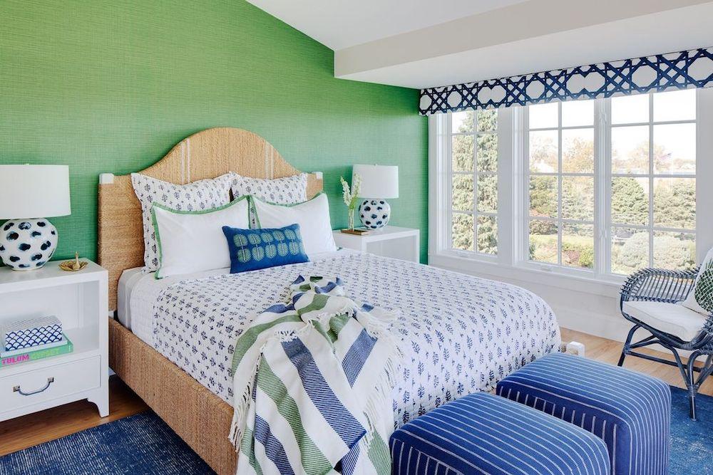 Coastal Blue and Green Interiors Inspo 27 #BlueGreenRooms #BlueGreenInteriors #Coastal #CoastalHomeDecor #HomeDecor #LivingRoomDecor