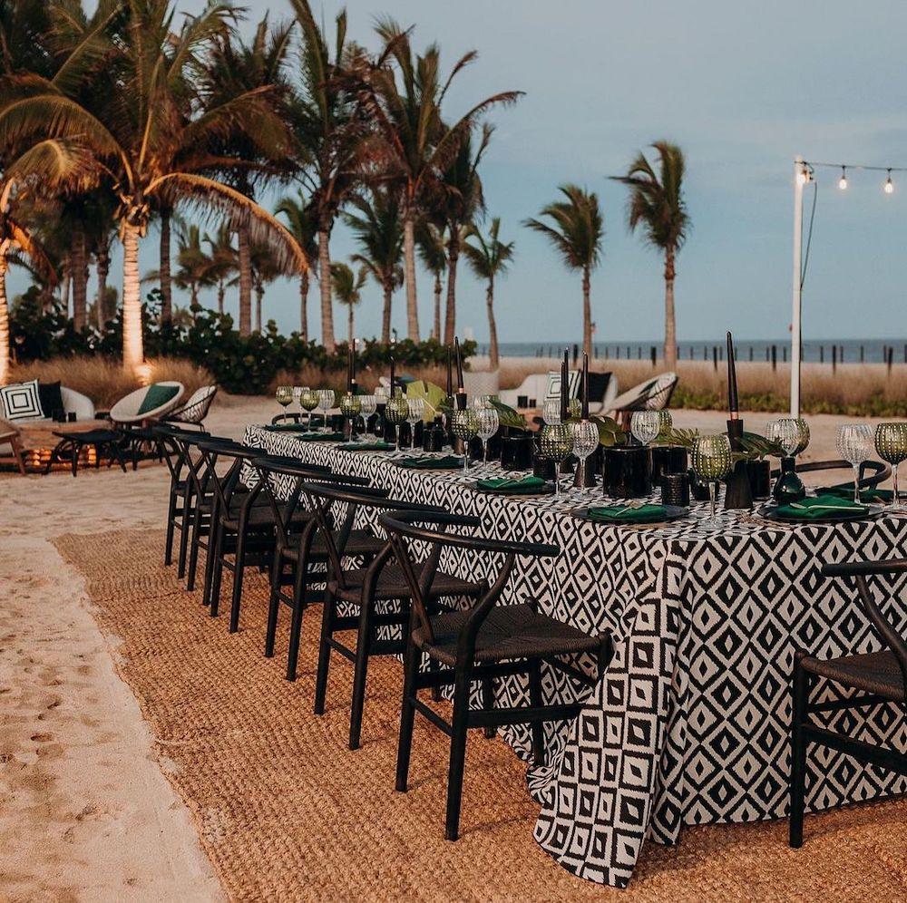 Wishbone Chair Styling Ideas Inspo 5 #Chairs #WishboneChairs #DiningRoom #CoastalDecor #BeachHouse