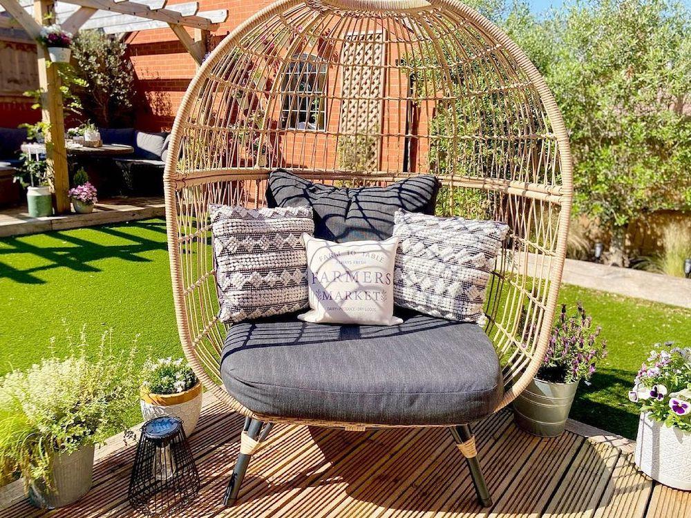 Egg Chair Styling Ideas Inspo 6 #Chairs #EggChairs #BohoDecor #CoastalDecor #BeachHouse