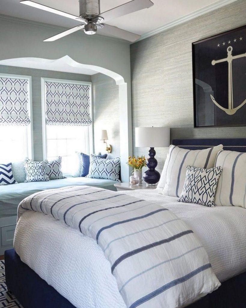 Blue and White Stripes Styling Ideas Inspo 7 #Sofas #CoastalBlueandWhite #BlueandWhiteStripedSofas #CoastalDecor #BeachHouse #Inspiration
