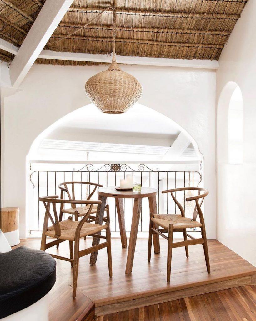 Wishbone Chair Styling Ideas Inspo 7 #Chairs #WishboneChairs #DiningRoom #CoastalDecor #BeachHouse