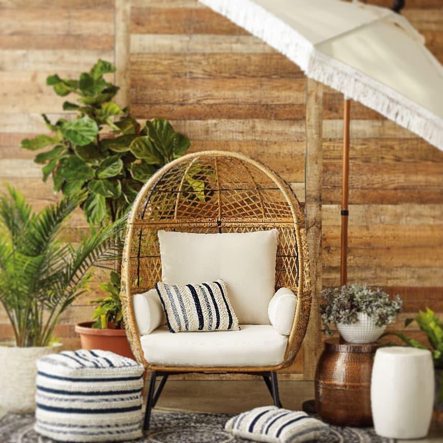Egg Chair Styling Ideas Inspo 8 #Chairs #EggChairs #BohoDecor #CoastalDecor #BeachHouse