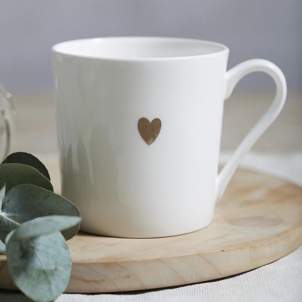 Heart Mug #HomeDecorBooks #CoffeeTableBooks #Coastal #CoastalDecor #CoffeeTableStyling #HomeDecor