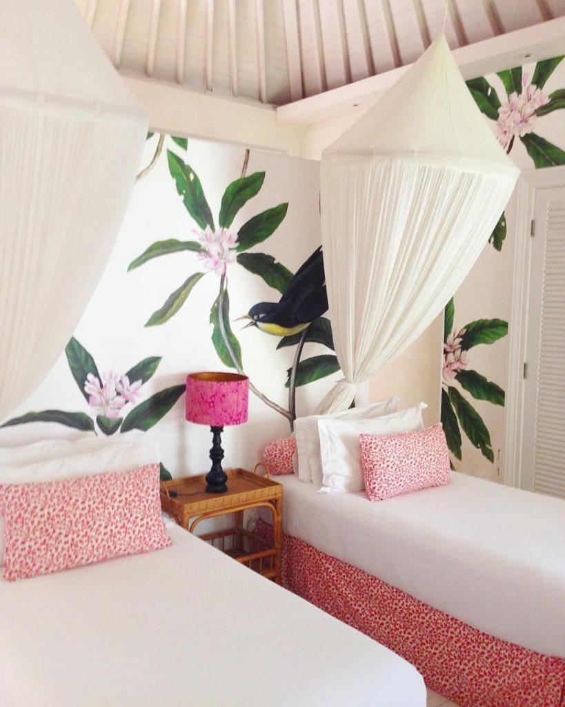 Inspo 17 #Pink #PinkAccessories #Coastal #CoastalPinkDecor #BohoCoastal #CoastalDecor #HomeDecor