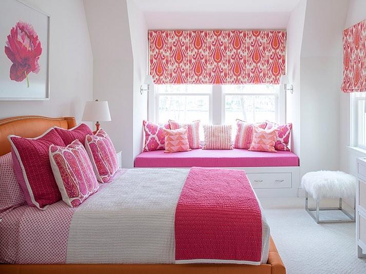Inspo 25 #Pink #PinkPillows #Coastal #CoastalPinkDecor #BohoCoastal #CoastalDecor #HomeDecor #LivingRoomDecor