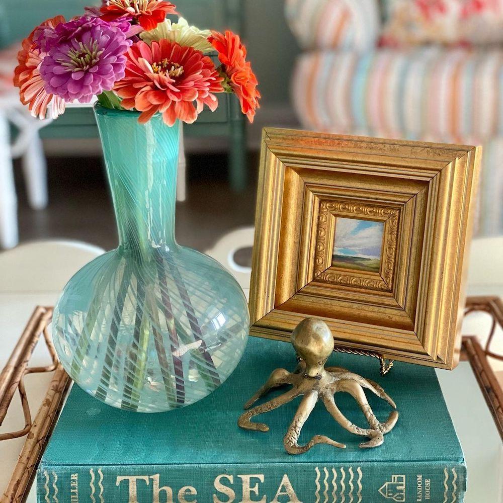 Inspo 8 #Vignette #CoastalVignette #Coastal #TrayStyling #TrayStylingTips #CoastalDecor #HomeDecor #LivingRoomDecor