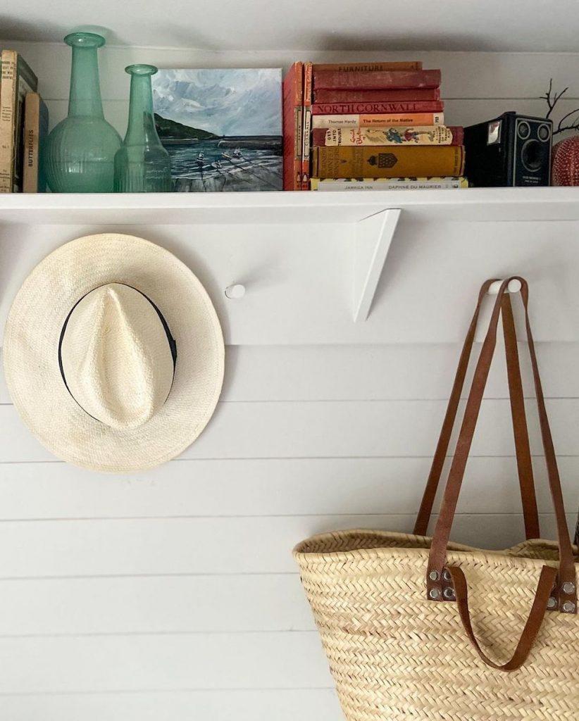 Inspo 11 #DecorBooks #CoffeeTableBooks #Coastal #CoastalDecor #CoastalTableStyling #HomeDecor