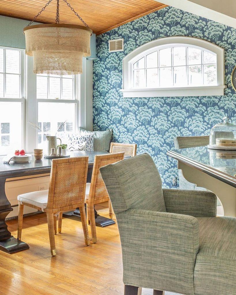 Coastal Blue and Green Interiors Inspo 3 #BlueGreenRooms #BlueGreenInteriors #Coastal #CoastalHomeDecor #HomeDecor #LivingRoomDecor