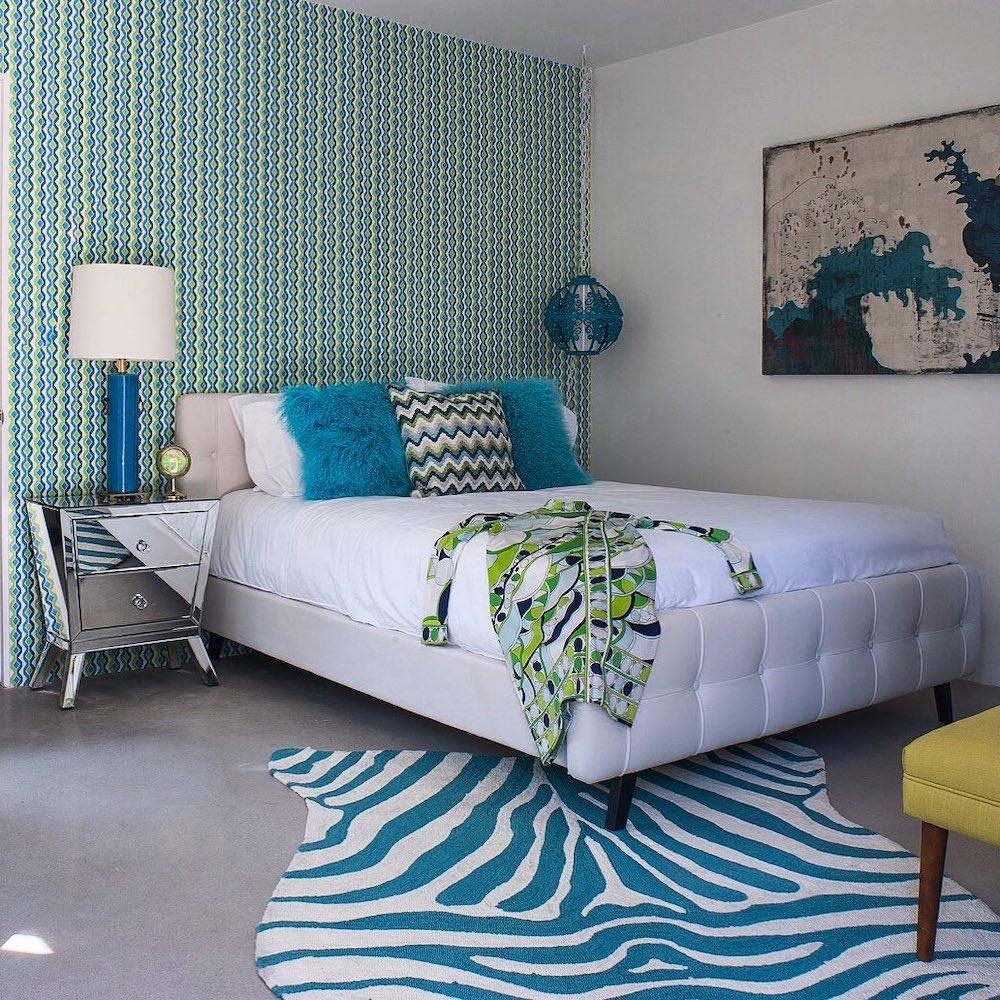 Green Decorative Accents Inspo 5 #BlueGreenRooms #BlueGreenInteriors #Coastal #CoastalHomeDecor #HomeDecor #LivingRoomDecor