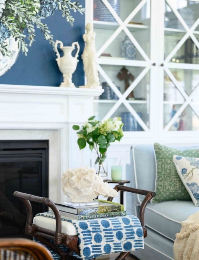 15 Most Inspiring Coffee Table Book Styling Ideas for Coastal Homes