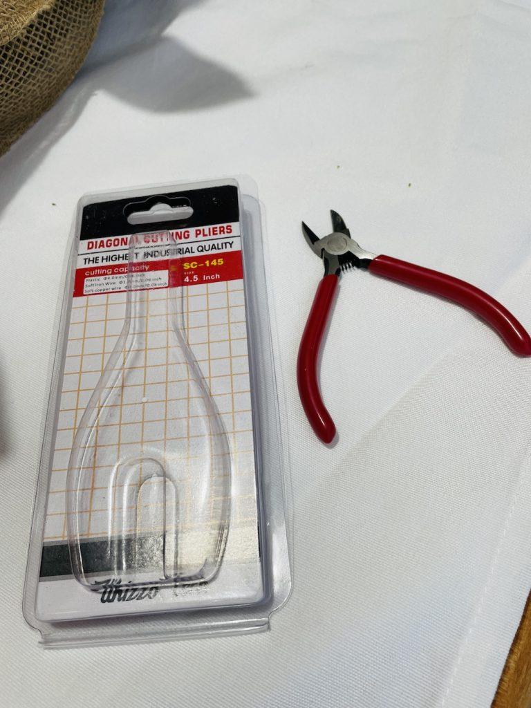 Diagonal Pliers_1706 #DIY #Fall #FallCenterpiece #HomeDecor #TableStyling #Autumn