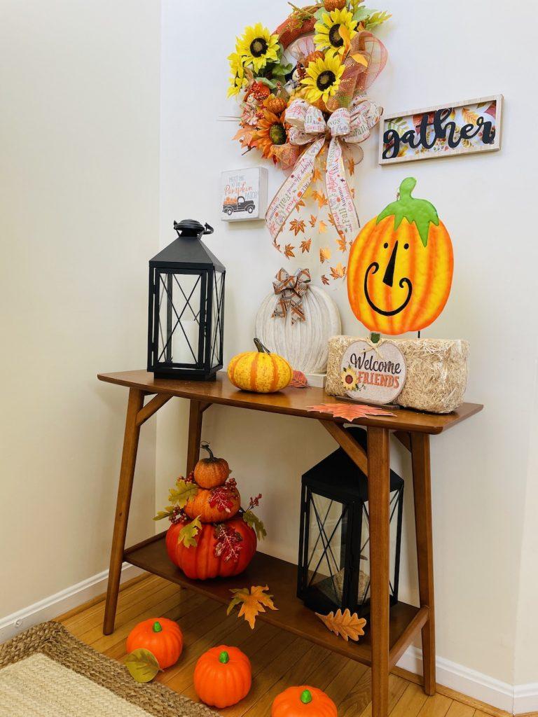 Fall Decor Full Shot_1676 #Fall #Entryway #FallEntryway #FallDecor #HomeDecor #AutumnDecor