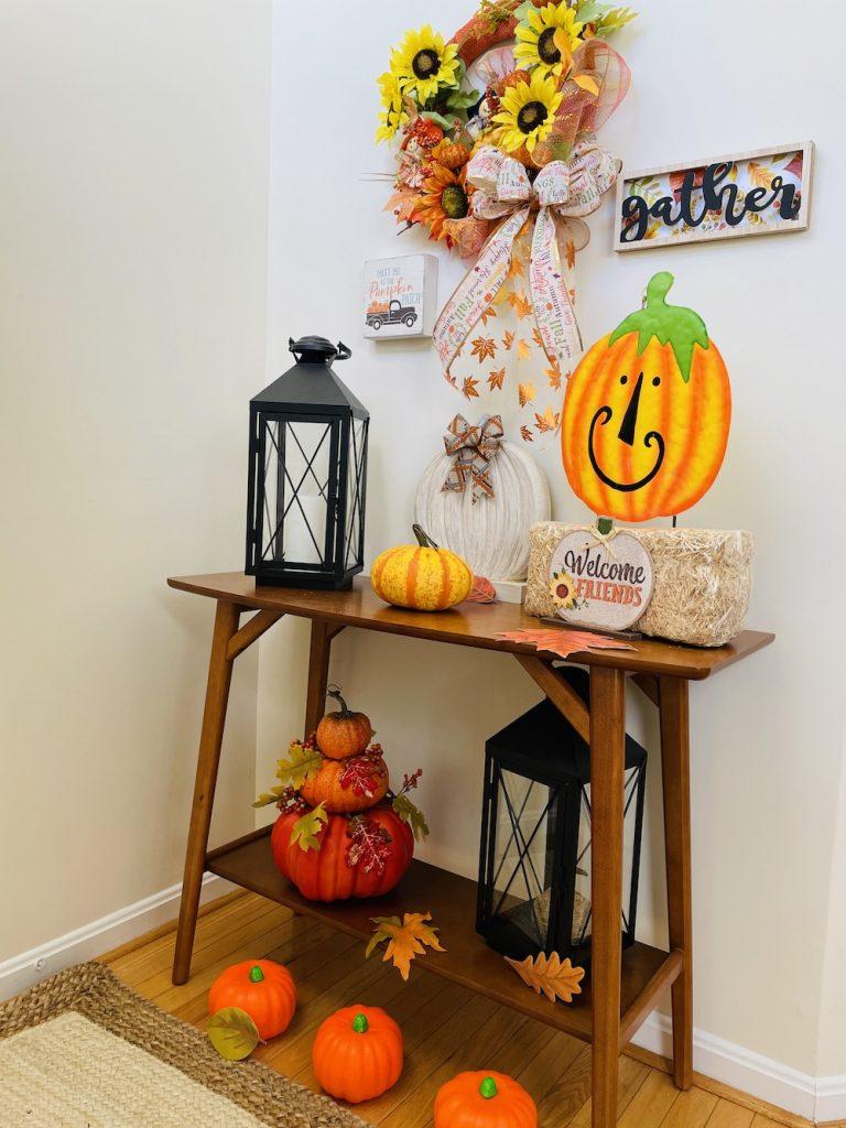 Fall Decor Full Shot_1677 #Fall #Entryway #FallEntryway #FallDecor #HomeDecor #AutumnDecor