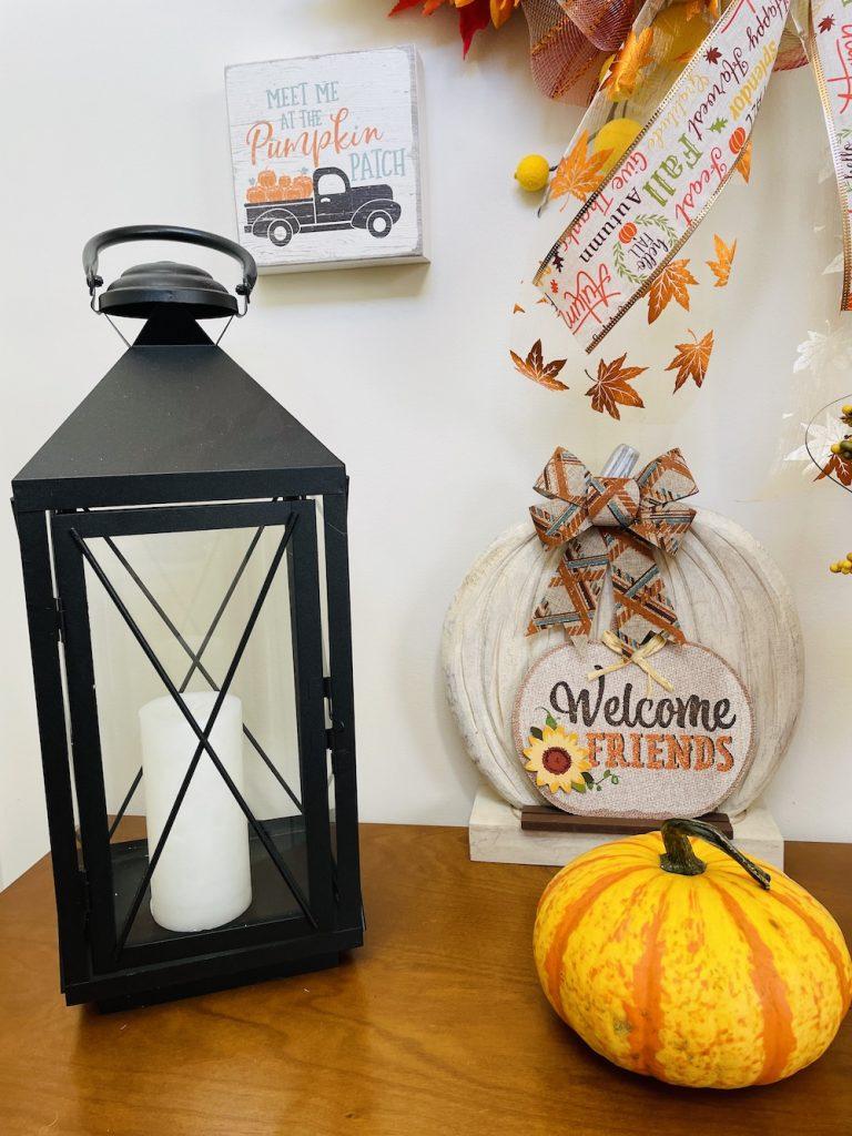Fall Entryway Greetings_1657 #Fall #Entryway #FallEntryway #FallDecor #HomeDecor #AutumnDecor