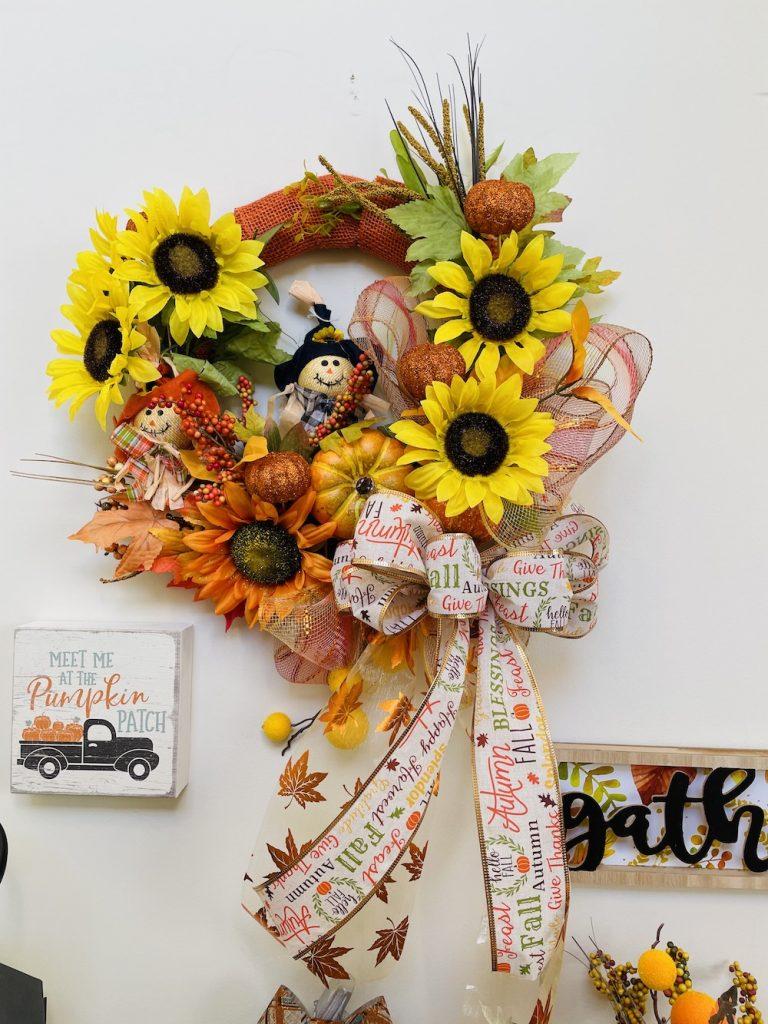 Fall Entryway Decorations Fall Entryway Wreath_1656 #Fall #Entryway #FallEntryway #FallDecor #HomeDecor #AutumnDecor