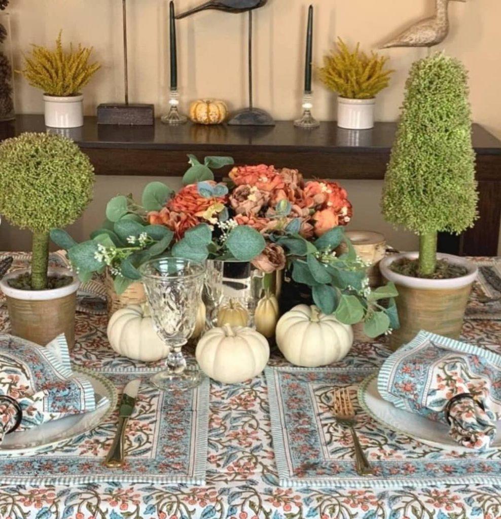 Fall Tablescape Styling Ideas In 19 #Fall #Tablescapes #FallDecor #HomeDecor #AutumnDecor