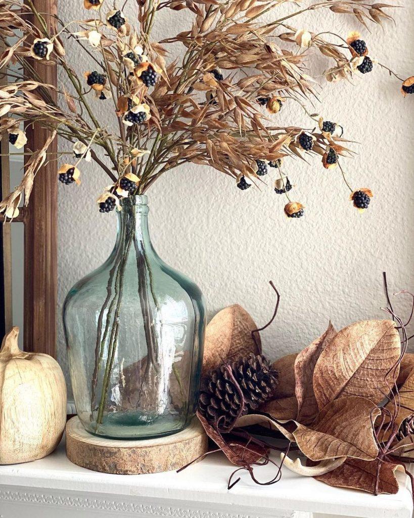 In 26 2 #Fall #FallMantel #FallDecor #HomeDecor #AutumnDecor