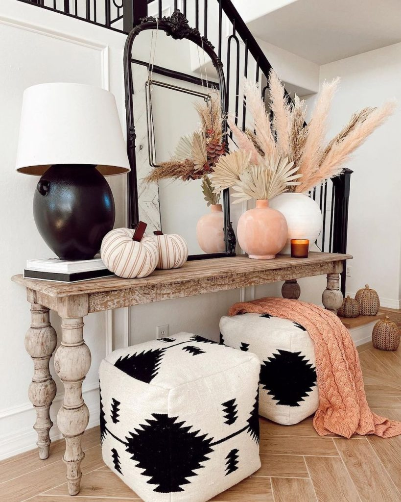 welcoming fall-inspired entryway ideas In 37 #Fall #Entryway #Foyer #FallEntryway #FallDecor #HomeDecor #AutumnDecor