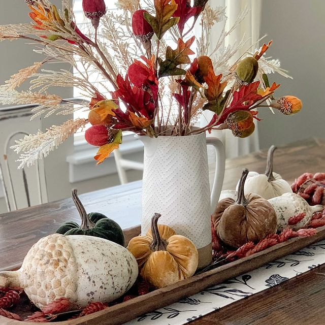 In 37 #Fall #FallCenterpiece #FallDecor #Autumn #FallTable #HomeDecor