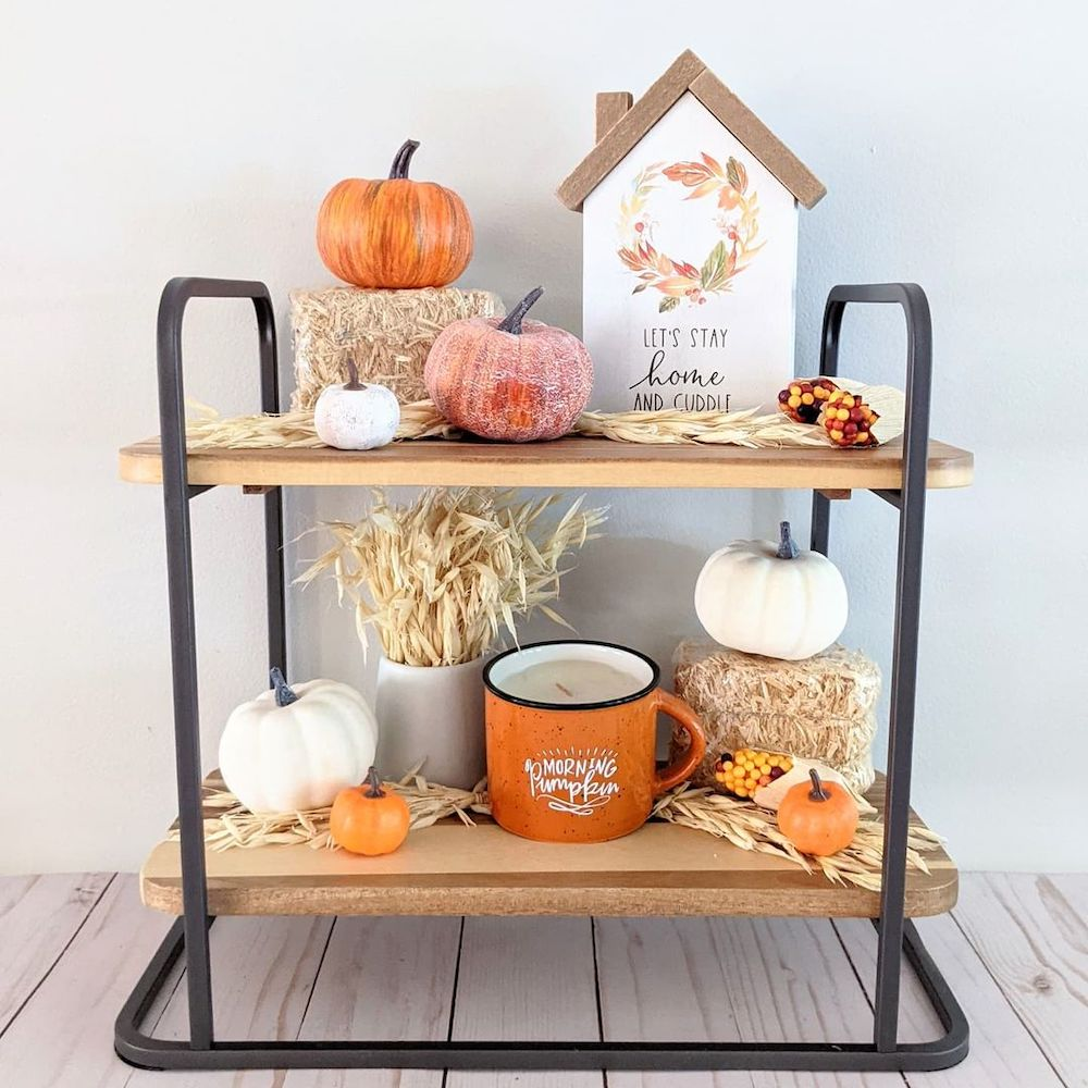 Fall vignette styling ideas Inspo 10 #Fall #FallVignettes #FallDecor #FallTableStyling #HomeDecor #AutumnDecor