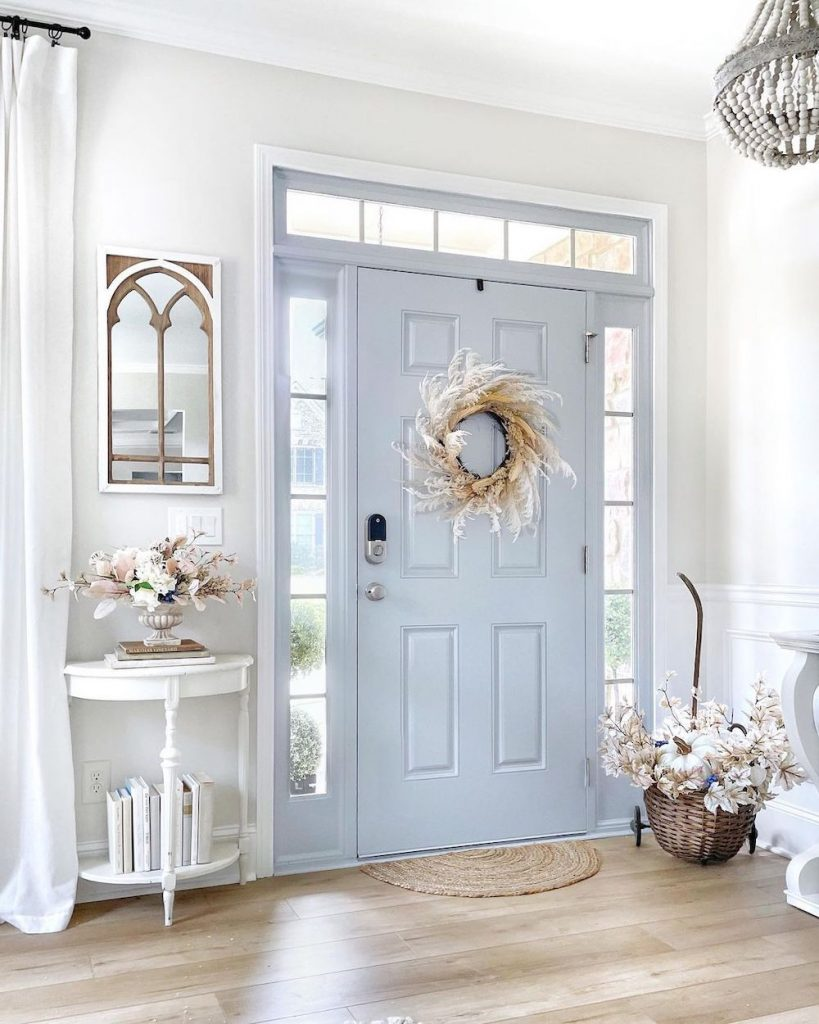 Welcoming Fall-inspired entryway ideas Inspo 11 #Fall #Entryway #Foyer #FallEntryway #FallDecor #HomeDecor #AutumnDecor