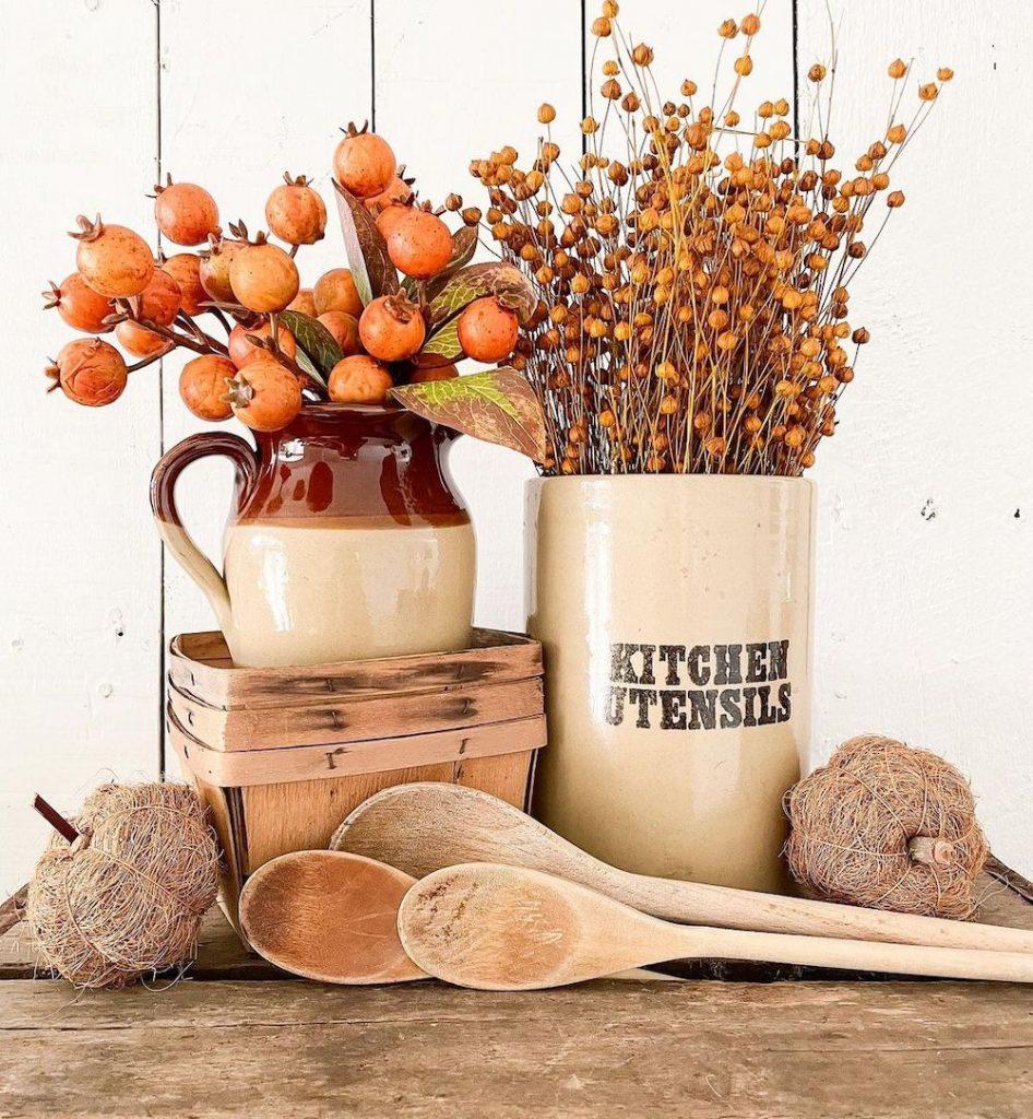 Inspo 15 #Fall #FallVignettes #FallDecor #FallTableStyling #HomeDecor #AutumnDecor