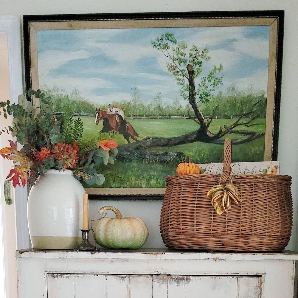 Fall vignette styling ideas Inspo 17  #Fall #FallVignettes #FallDecor #FallTableStyling #HomeDecor #AutumnDecor