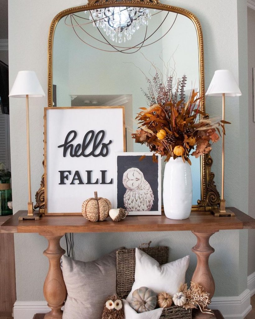 Welcoming Fall-inspired entryway ideas Inspo 28 #Fall #Entryway #Foyer #FallEntryway #FallDecor #HomeDecor #AutumnDecor