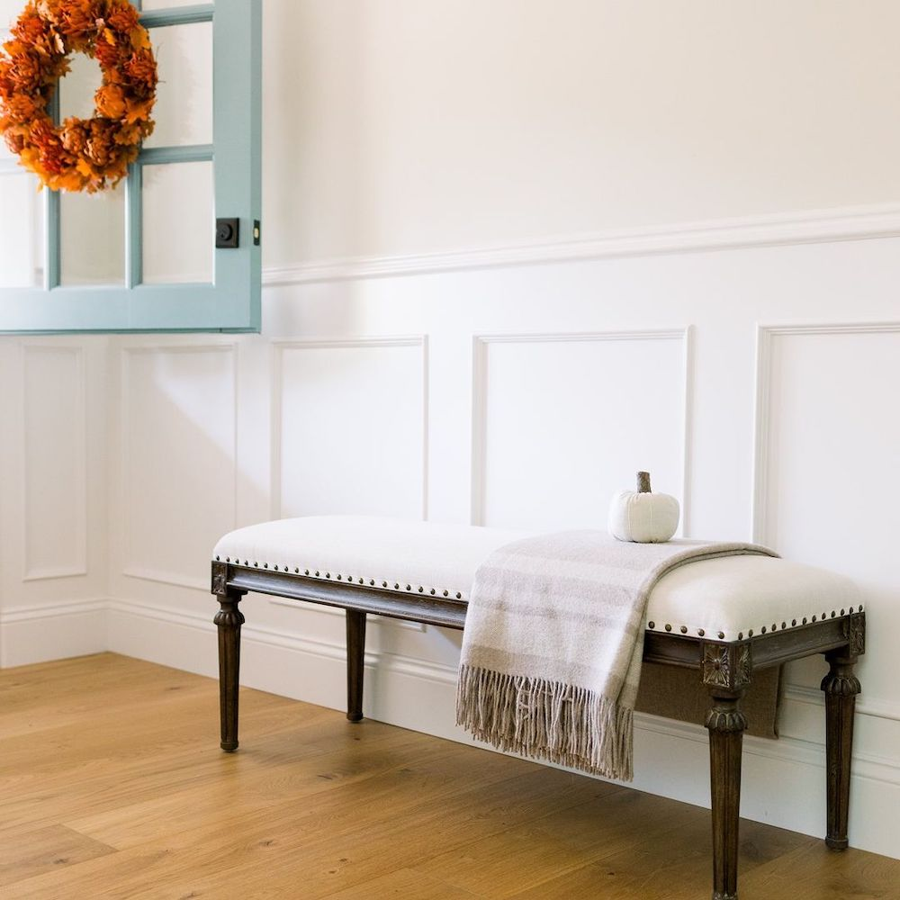 Inspo 33 1 #Fall #Entryway #Foyer #FallEntryway #FallDecor #HomeDecor #AutumnDecor