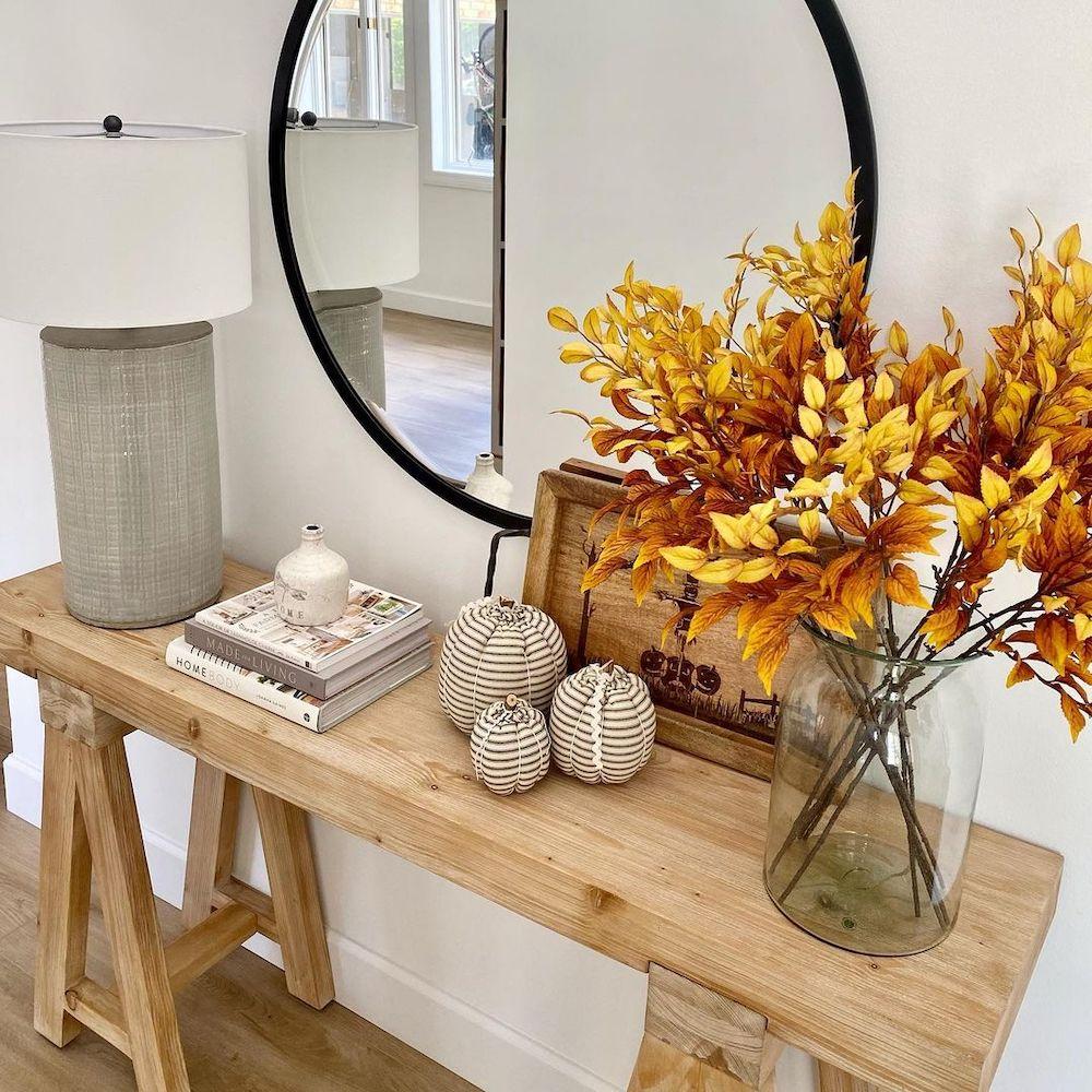 Inspo 4 #Fall #Entryway #Foyer #FallEntryway #FallDecor #HomeDecor #AutumnDecor
